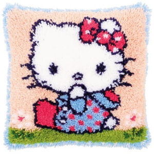 הלו קיטי על הדשא