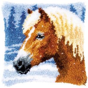 סוס ביער חורפי